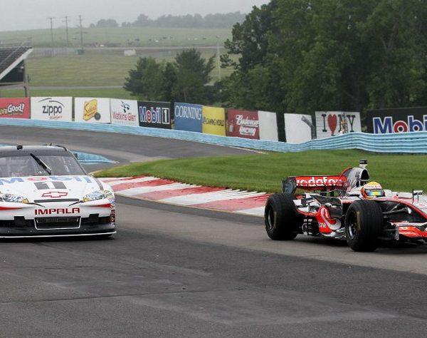 Antara Pembalap NASCAR Balapan Di F1 Atau Pembalap F1 yang balapan Di Nascar Mana Yang Lebih Baik?